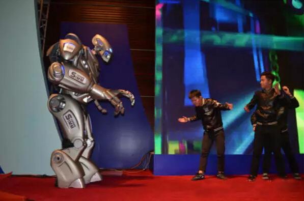 2015深圳机械展-趣看英国机器人泰坦(一)